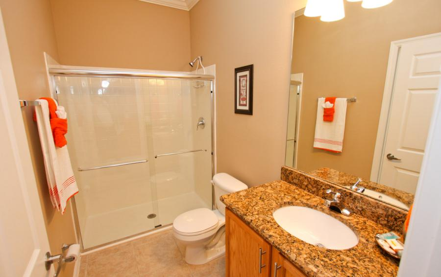 Bathroom 2 - Buoy Reverie - Well Appointed 3 Bed Townhouse - Dream Resort - Homes4uu