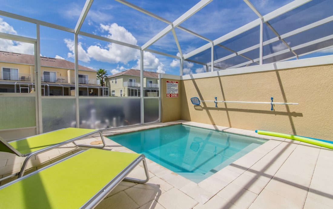 Pool and Pool deck - Ocean Whisper - 3 Bedroom Townhouse with a Pool - Homes4uu