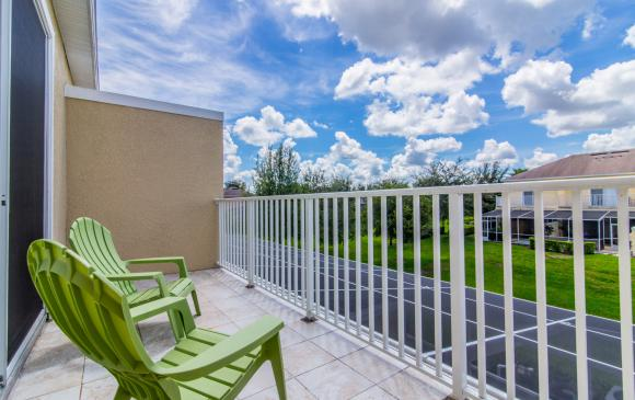 Ocean Whisper - 3 Bedroom Townhouse with a Pool - Homes4uu - Deckchairs with a view
