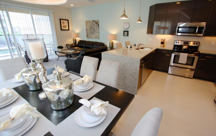 Dining Area - Ocean Bliss - 3 Bedroom Quiet Comfortable Townhouse - Homes4uu
