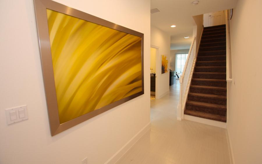 Hallway and Art - Swift Sails 3 Bedroom Modern Townhouse - Dream Resort - Homes4uu