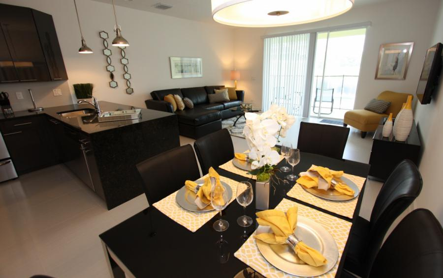 Dining Area - Swift Sails 3 Bedroom Modern Townhouse - Dream Resort - Homes4uu