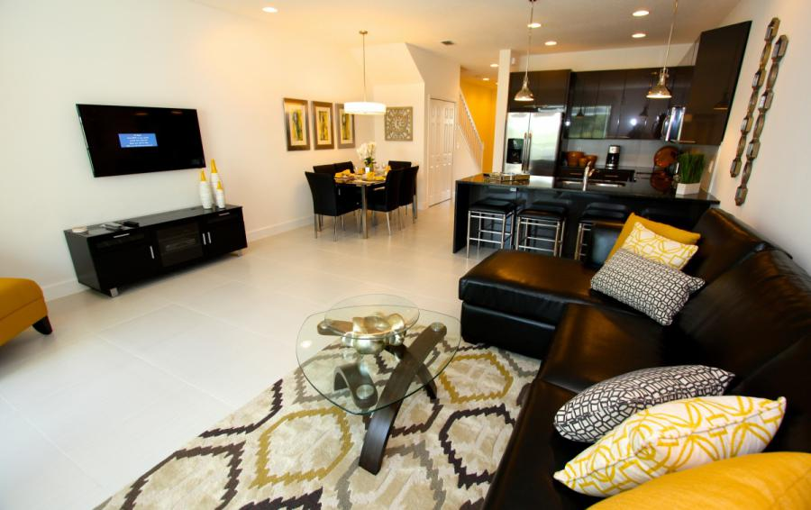 Great Room and Seating Area - Swift Sails 3 Bedroom Modern Townhouse - Dream Resort - Homes4uu