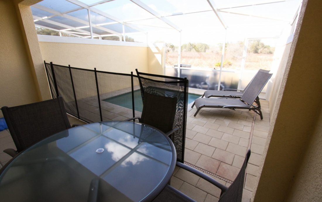 Private Pool with Child Safety Screen - Swift Sails II 3 Bed Vacation Townhouse - Dream Resort - Homes4uu