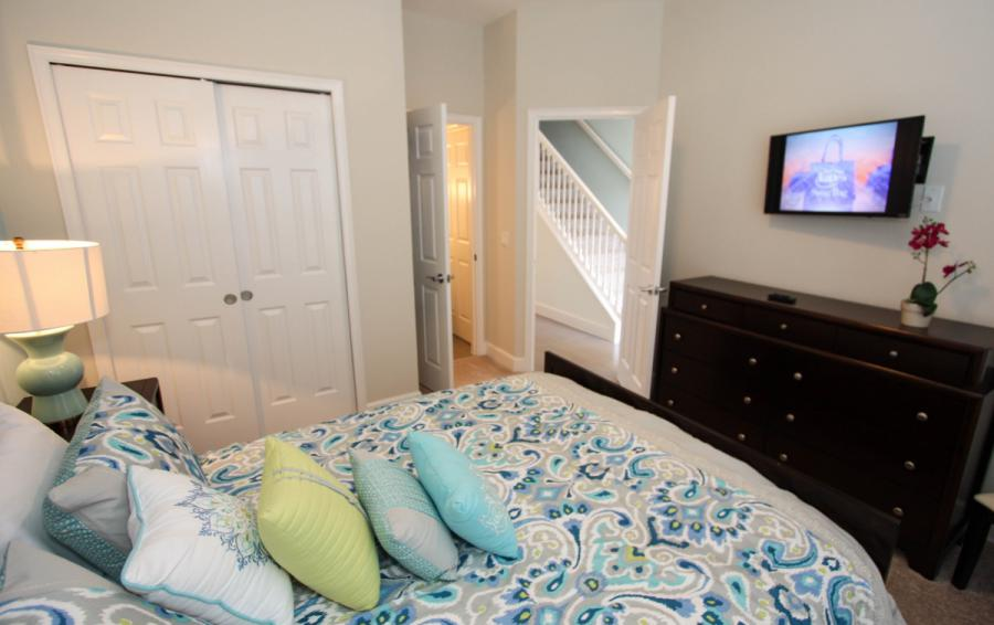 Double Bedroom with an En Suite - Swift Sails II 3 Bed Vacation Townhouse - Dream Resort - Homes4uu