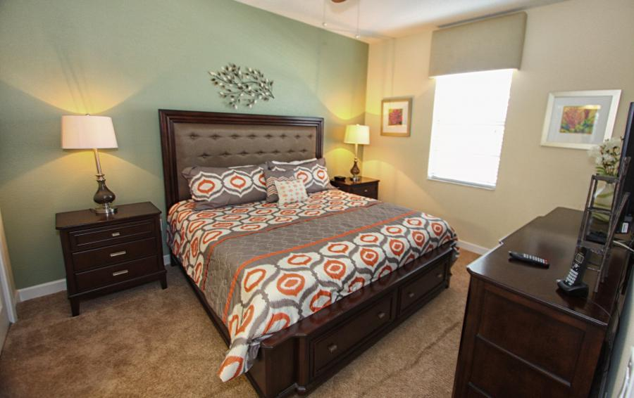 Bedroom 1 - Celeste 9 Bedroom Orlando Vacation Home - Championsgate Resort - Homes4uu