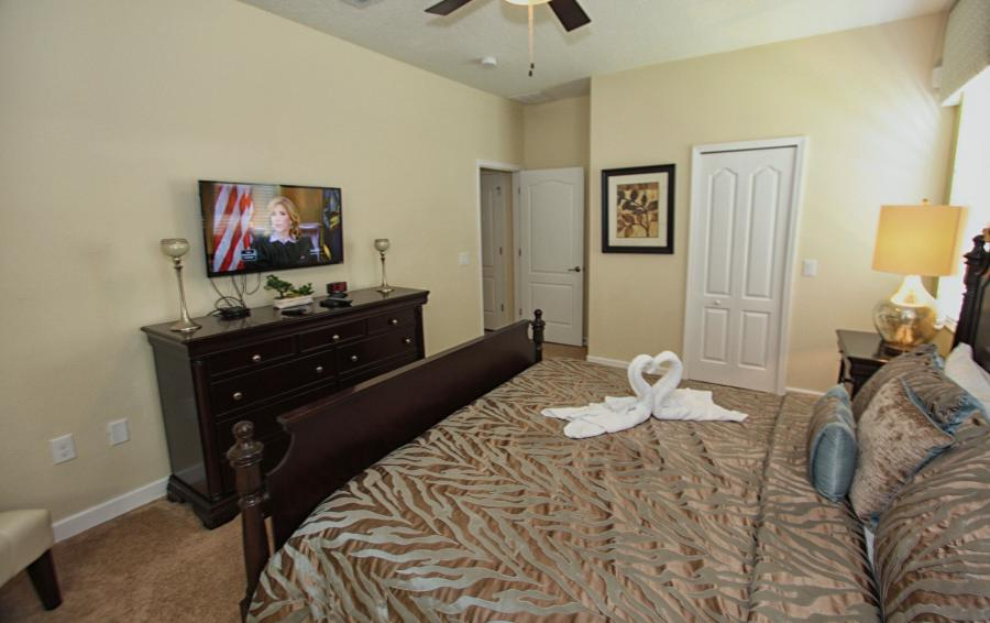 Bedroom 2 View 2 - Celeste 9 Bedroom Orlando Vacation Home - Championsgate Resort - Homes4uu