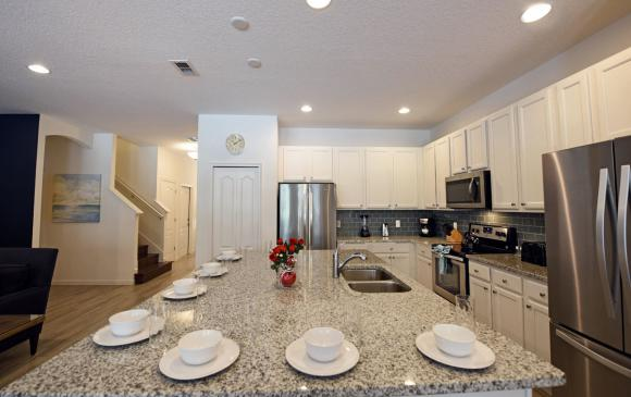 10 Bedroom Solterra Resort Vacation Home - Caspian - Homes4uu - Kitchen with modern appliances