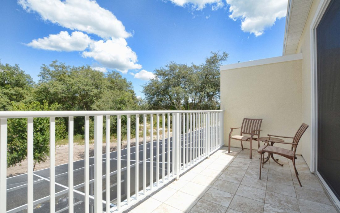 Balcony - Upper Mainstay 3 Bedroom Beautiful Orlando Townhouse - Dream Resort - Homes4uu