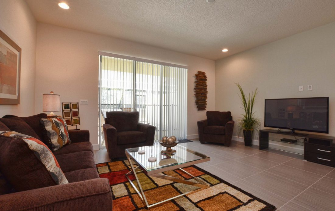 Living Room 2 - Upper Mainstay 3 Bedroom Beautiful Orlando Townhouse - Dream Resort - Homes4uu