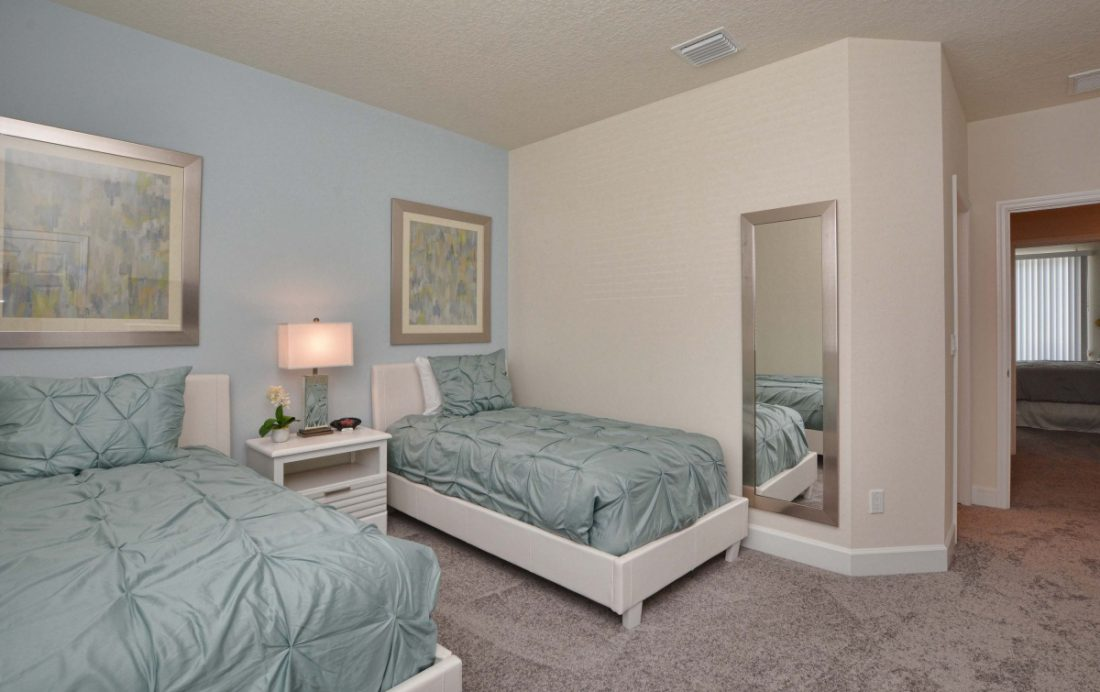Bedroom 2b - Upper Mainstay 3 Bedroom Beautiful Orlando Townhouse - Dream Resort - Homes4uu