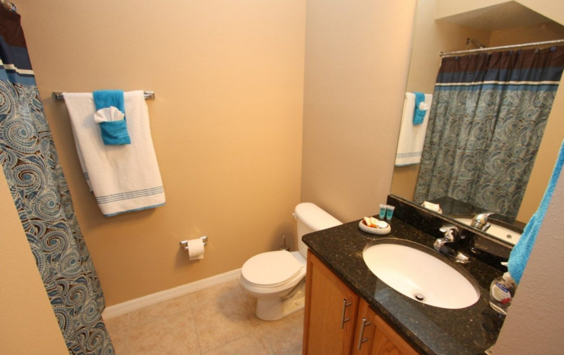 Bathroom - Buoy Reverie - Well Appointed 3 Bed Townhouse - Homes4uu