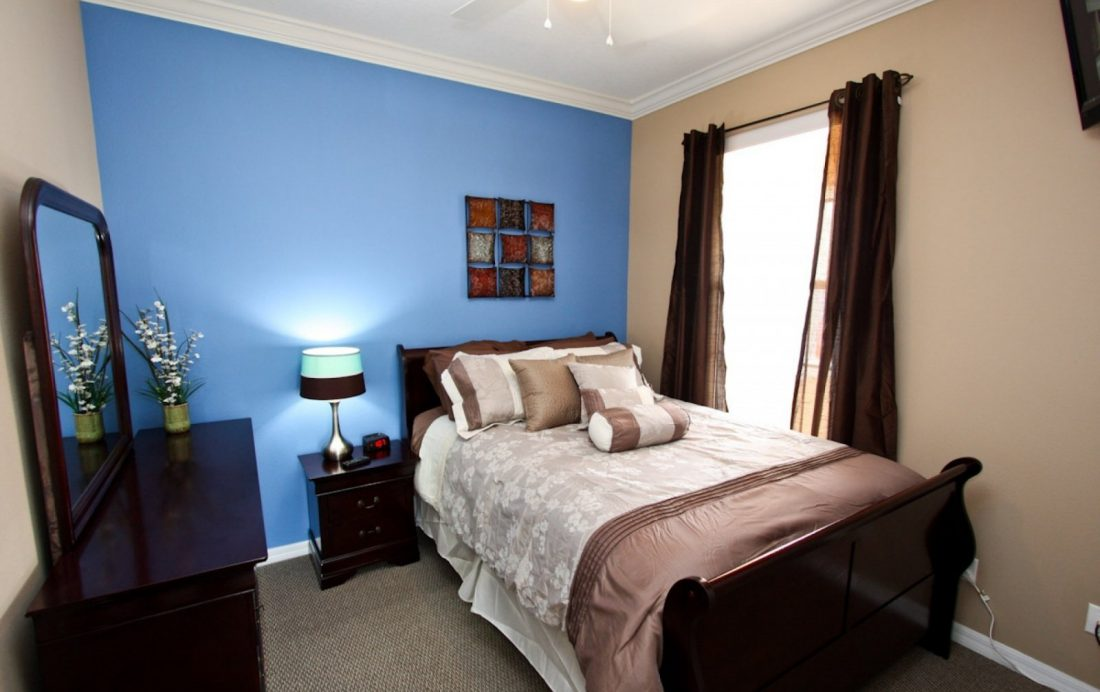 Bedroom 1 Bedding - Buoy Reverie - Well Appointed 3 Bed Townhouse - Homes4uu