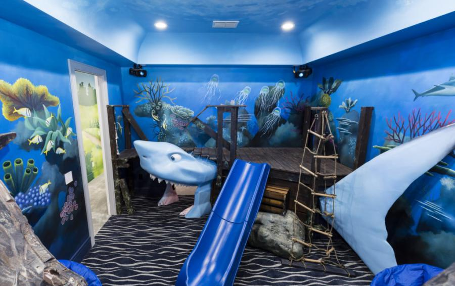 Bedroom 11 and 12 - Bruce the Shark Climbing Tunnel - Royal Fortune - 12 Bedroom Vacation Home - Homes4uu