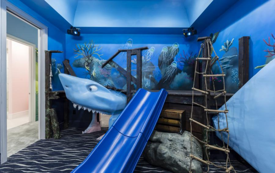 Bedroom 11 and 12 -Shark Play Room connecting Kids Rooms - Royal Fortune - 12 Bedroom Vacation Home - Homes4uu