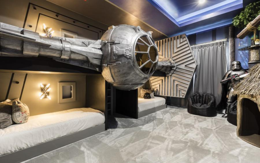 Bedroom 12 - Star Wars Bedroom with Tie Fighter Beds - Royal Fortune - 12 Bedroom Vacation Home - Homes4uu