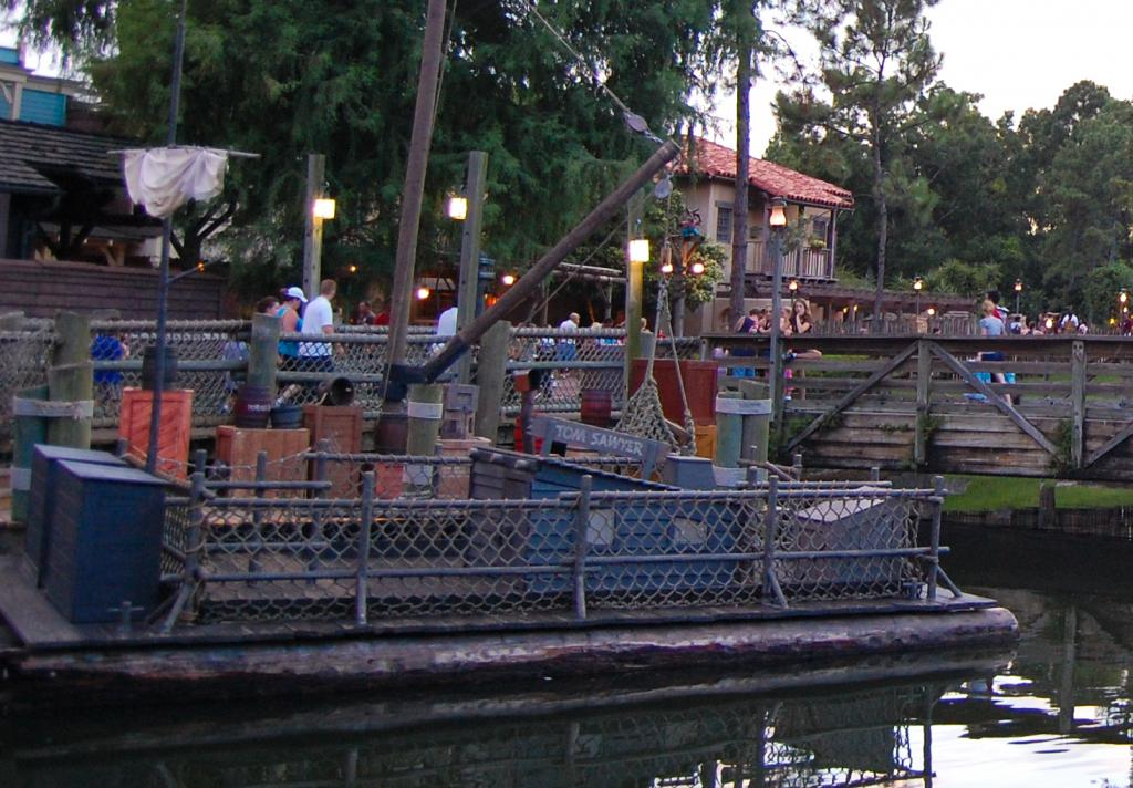 Tom Sawyer Boats Frontierland