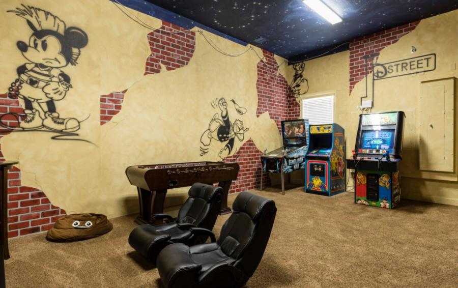 Game Room-1- - Prince Royal - 11 Bedroom Vacation Home - Homes4uu