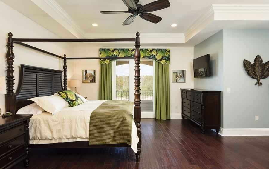 Bedroom 7- Four Poster Bed - Prince Royal - 11 Bedroom Vacation Home - Homes4uu