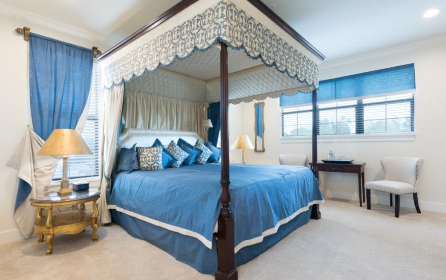 Master Suite - 1 - Canopy Four Poster Bed - Bering Sea - 11 Bedroom Vacation Mansion - Homes4uu