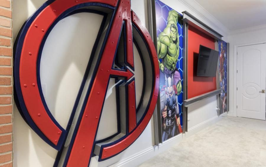 AvengersRoom-with Flatscreen TV - Steam Boat Willie's Castle - 8 Bedroom Disney Themed Vacation Home - Homes4uu