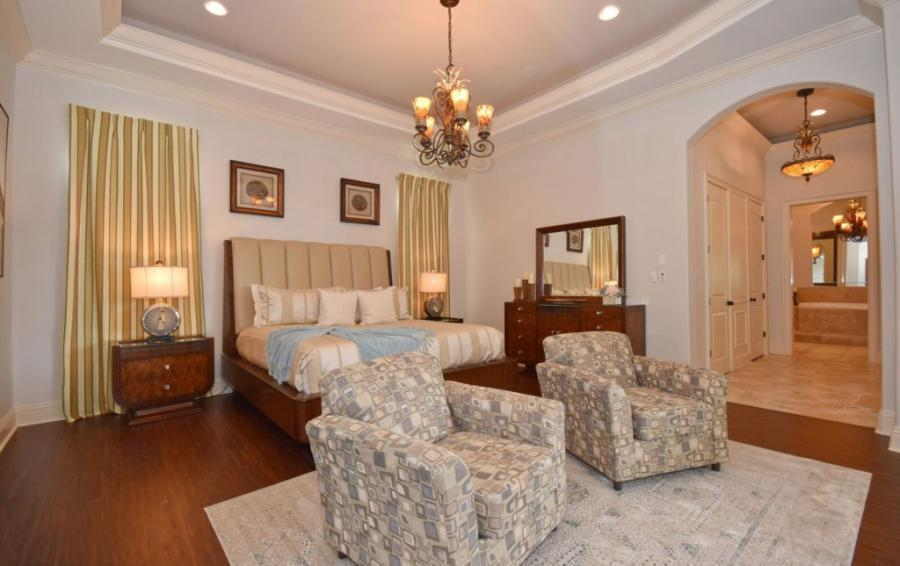 Bedroom - 1 - Master Suite King Sized Bed - Swift Sailing - 6 Bedroom Custom Luxury Vacation Home - Homes4uu