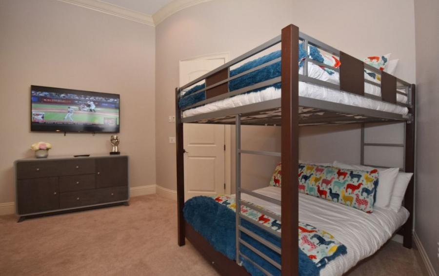 Bedroom - 6 - Full Sized Bunk Beds - Swift Sailing - 6 Bedroom Custom Luxury Vacation Home - Homes4uu