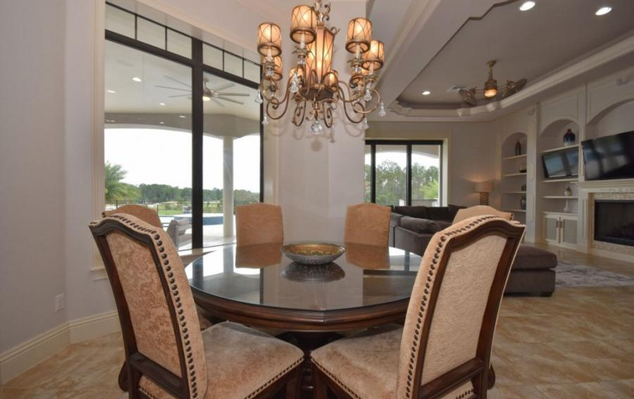 Dining Room Seating for four - Swift Sailing - 6 Bedroom Custom Luxury Vacation Home - Homes4uu