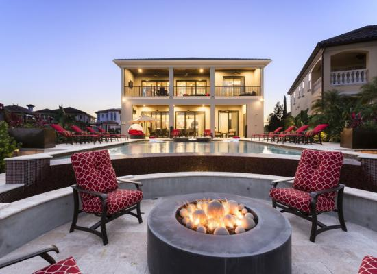 FirePit at Twilight - Treasure Hunt - 8 Bedroom Hidden Mickey Vacation Home - Homes4uu