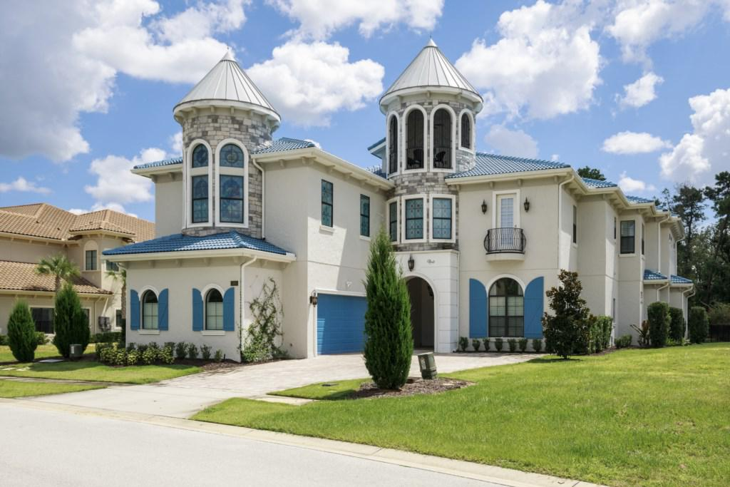 Grand Entrance - Steamboat Willie's Castle - 8 Bedroom Disney Themed Vacation Home - Homes4uu