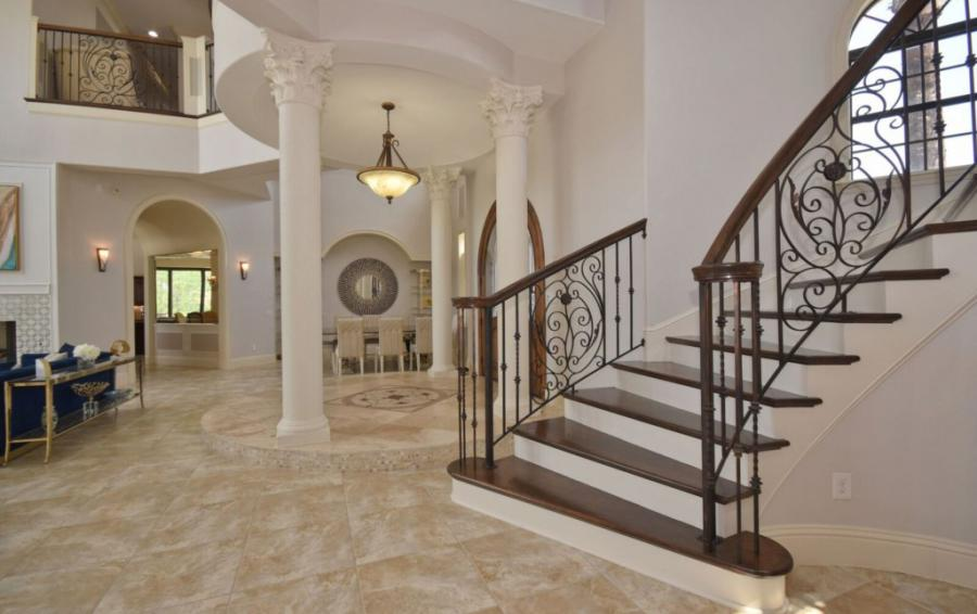 Grand Staircase - Swift Sailing - 6 Bedroom Custom Luxury Vacation Home - Homes4uu