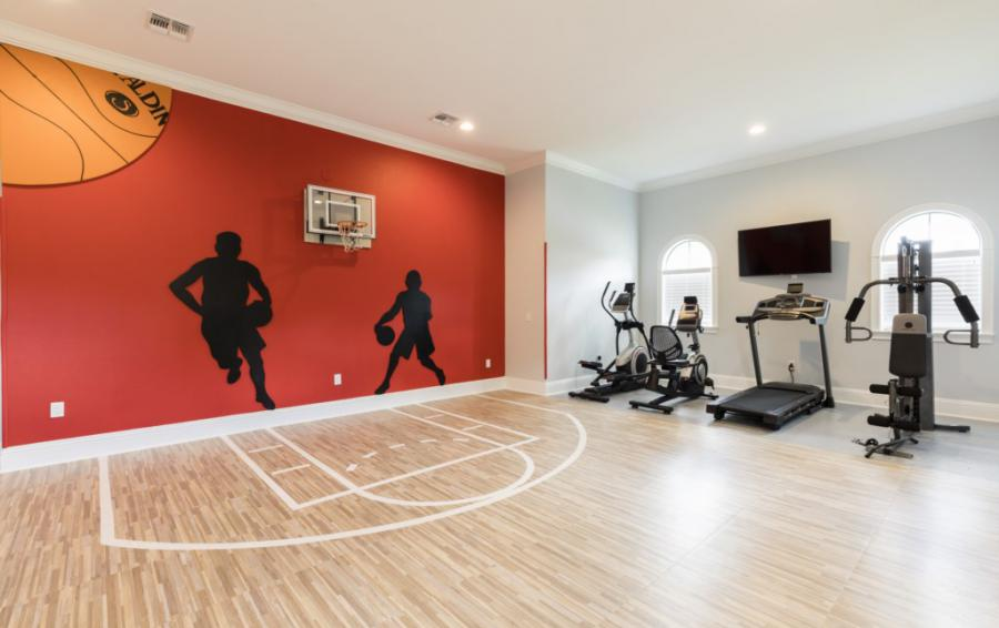 HomeGym -with Basketball Court inside - Steam Boat Willie's Castle - 8 Bedroom Disney Themed Vacation Home - Homes4uu