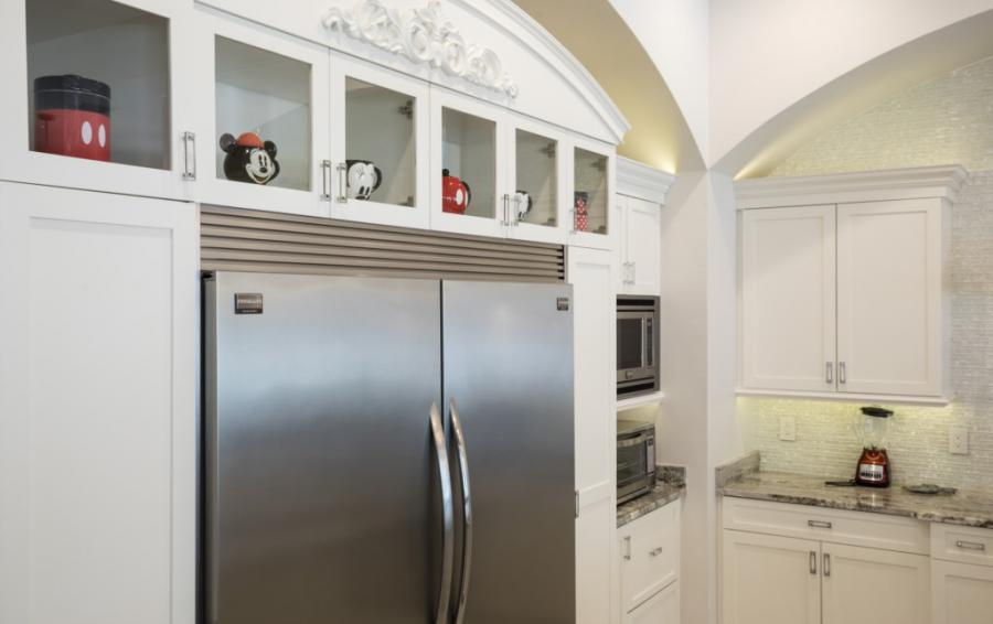 Kitchen Professional Appliances - Steamboat Willie's Castle - 8 Bedroom Disney Themed Vacation Home - Homes4uu