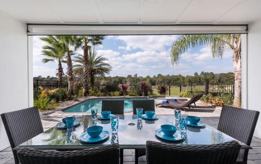 Lanai - On The Wind - 5 Bedroom Contemporary Luxury Orlando Area Vacation Home - Homes4uu