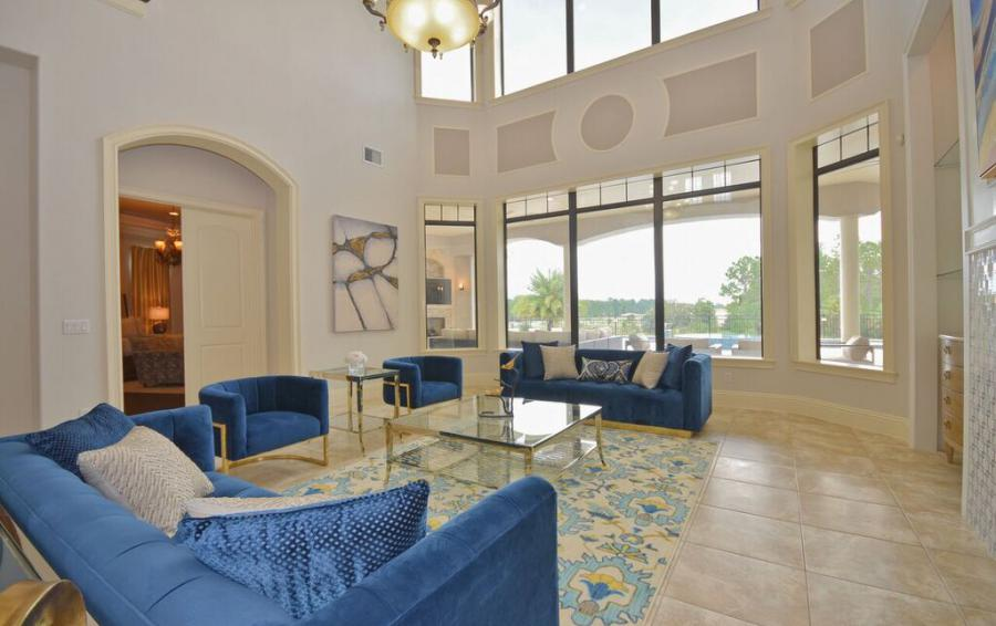 Living Room Comfy Couches - Swift Sailing - 6 Bedroom Custom Luxury Vacation Home - Homes4uu