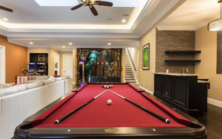 Loft-Pool Table - Steam Boat Willie's Castle - 8 Bedroom Disney Themed Vacation Home - Homes4uu
