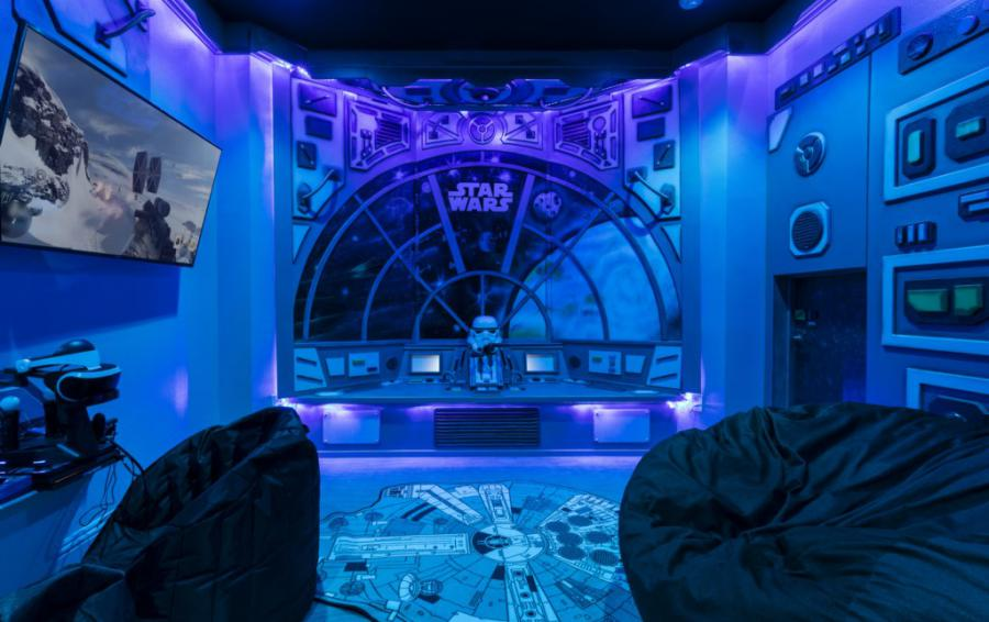 Millennium Falcon Secret Gaming Room - Steam Boat Willie's Castle - 8 Bedroom Disney Themed Vacation Home - Homes4uu