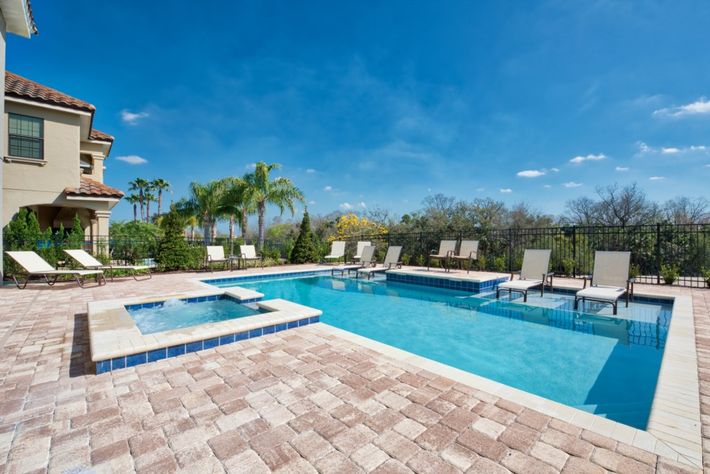 Pool and Spill-Over Spa with stone deck - 13 Bedroom Luxury Resort Orlando Vacation Home - Homes4uu