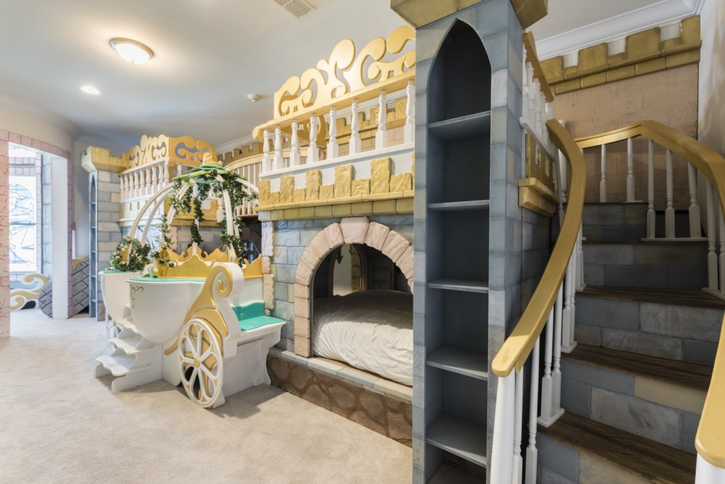 PrincessRoom with Carriage Bed Plus Two sets of Twin Bunkbeds - Steamboat Willie's - 8 Bedroom Disney Area Themed Vacation Home - Homes4uu