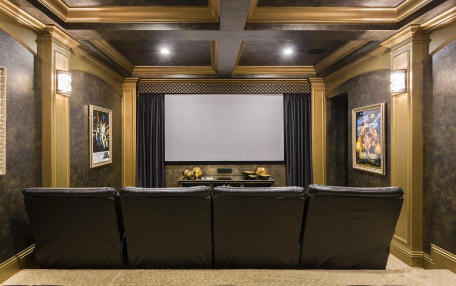 TheaterRoom-with Projection screen - Treasure Hunt - 8 Bedroom Hidden Mickey Vacation Home - Homes4uu