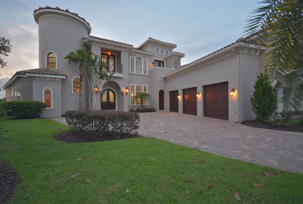 View of Front Entrance and Garage - Swift Sailing - 6 Bedroom Custom Luxury Vacation Home - Homes4uu