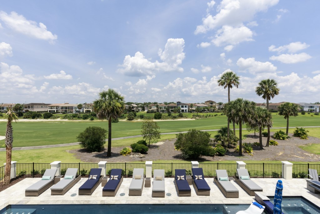 Balcony View Golf Course 6th Tee - Captain's Chair - 9 Bedroom - Luxury Orlando Vacation Home - Homes4uu