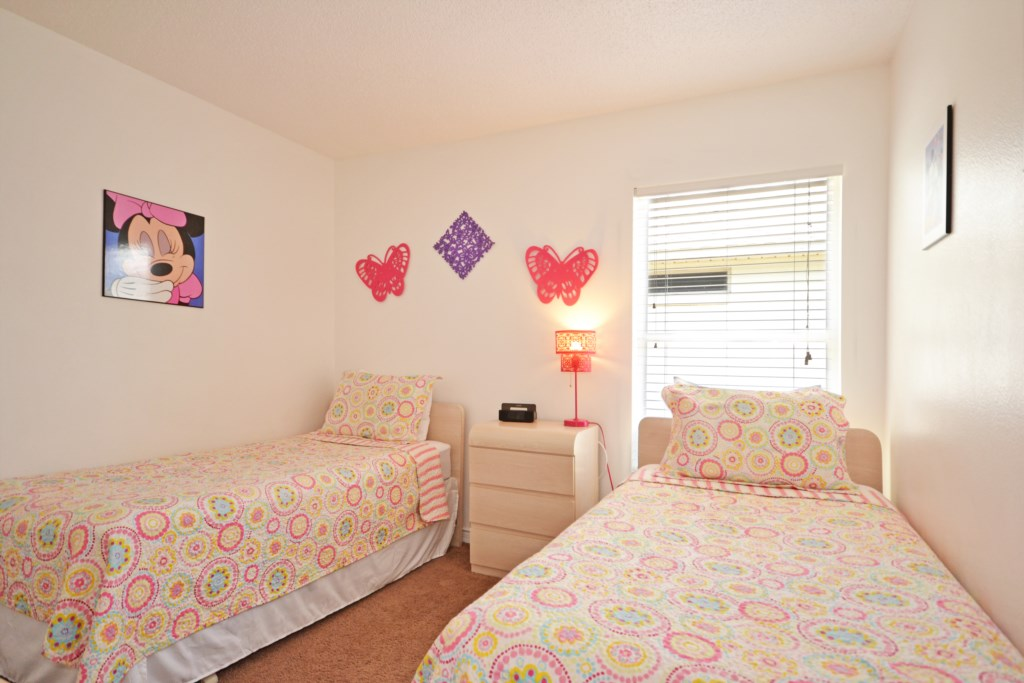 Bedroom -3 Two Twin Beds Minnie Mouse Themed - Buckingham Palm - 4 Bedroom Orlando Area Salt Water Pool Vacation Home - Homes4uu