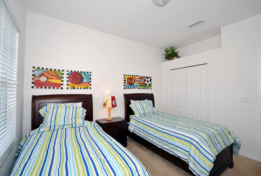 Bedroom - 3 -Two Twin Beds - Minniehaha Villa - 4 Bedroom Orlando Area Resort Vacation Home - Homes4uu