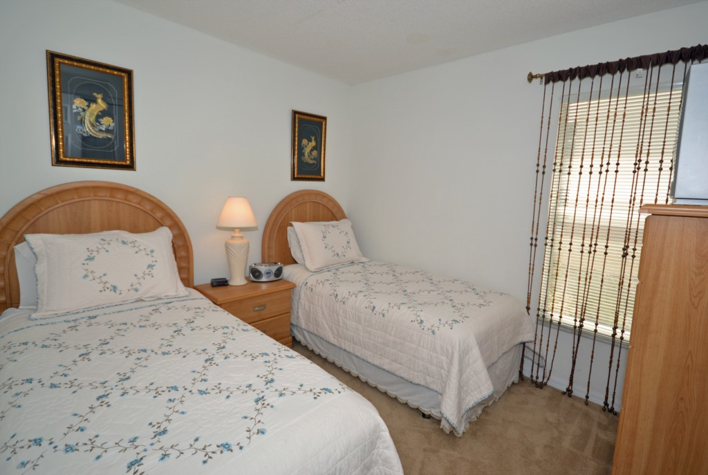 Bedroom - 4 -Two twin Beds with Flat Screen TV - Oriental Charm - 4 Bedroom - Disney Area Resort Vacation Home - Homes4uu