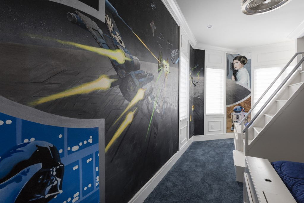 Bedroom 8 - Star Wars Mural Option- Captain's Chair - 9 Bedroom - Luxury Orlando Vacation Home - Homes4uu