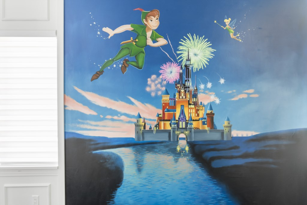 Bedrooms 8 and 9 Disney Mural Options- Captain's Chair - 9 Bedroom - Luxury Orlando Vacation Home - Homes4uu