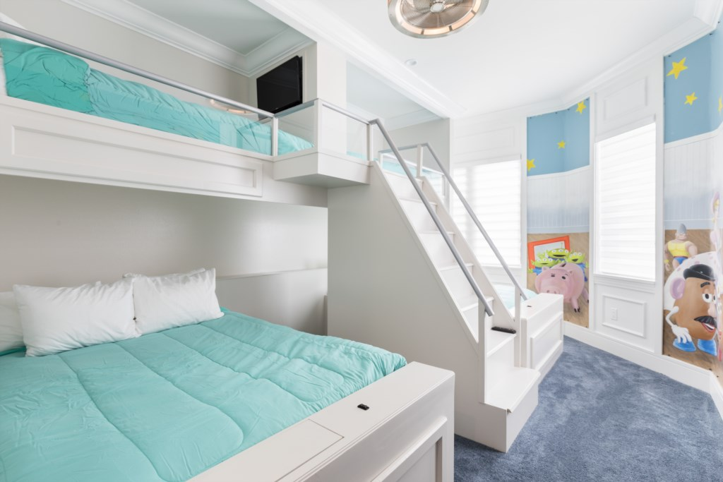 Bedroom 9 - Two Twin And Two Full Size Bunk Beds Disney's Toy Story Themed - Captain's Chair - 9 Bedroom - Spectacular Destination With a Star Trek Theater Entertainment Center Vacation Home - Homes4uu