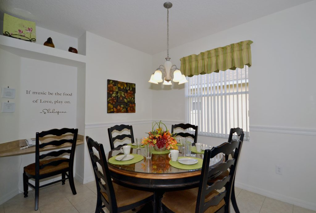 Breakfast Nook - Minniehaha Villa - 4 Bedroom Orlando Area Resort Vacation Home - Homes4uu