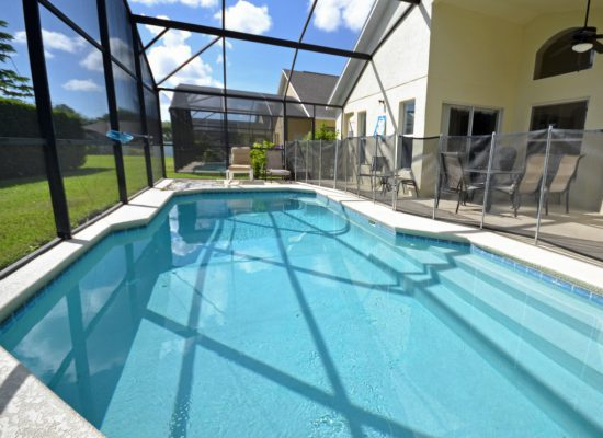 Enclosed Private Pool Palm Villa - 4 Bedroom - Orlando Area Resort Vacation Home
